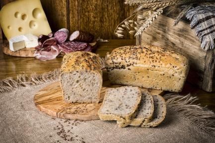 Chleb żytni z siemieniem