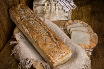 Chleb żytni ze słonecznikiem blacha